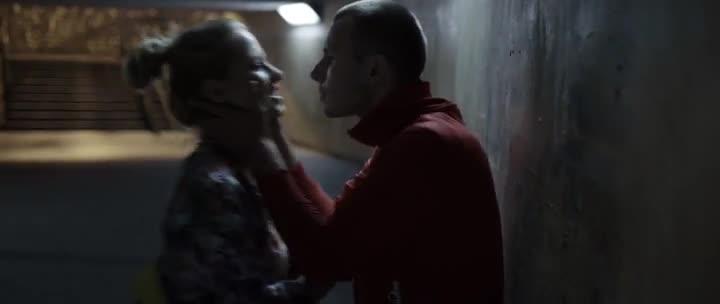 Płynące wieżowce (2013) Polski film